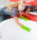 Weibliches Reinigungsbad Lizenzfreie Stockfotografie
