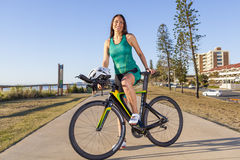 Weibliches Triathlete lizenzfreie stockfotos
