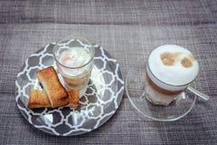 Weich gekocht Eier mit Toast Lizenzfreie Stockfotos
