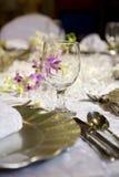 Weiche romantische Tabelleneinstellung für Hochzeit Stockbild