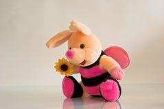 Weiche Spielzeugbiene Stockfotos