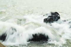 Weiche spritzende Welle lizenzfreies stockfoto