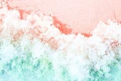 Weiche Wellen mit dem Schaum getont in den modischen Farben lizenzfreie stockfotografie