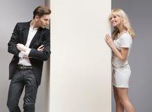 Weicher Flirt zwischen attraktiven Paaren Stockbild