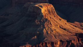 Weicher gelber Sonnenaufgang in Grand Canyon stock video