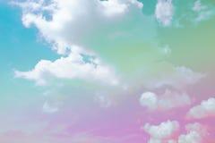 Weicher Wolkenhintergrund mit einer Pastellfarbe Lizenzfreie Stockbilder
