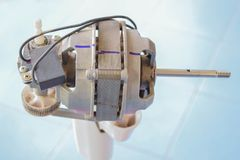 Weichzeichnung der elektrische Ventilator der Spule, Kupferdraht, Elektromotoren zerteilt, wie man ihn durch selbst tut Stockbild