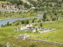 Weiden en ruïneslandschap in Lleida royalty-vrije stock afbeelding