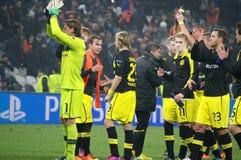 Weidenfeller en Borussia Dortmund om hun ventilators voor hun steun te danken Stock Fotografie