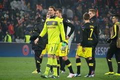Weidenfeller och Borussia Dortmund som tackar deras, fläktar för deras service Royaltyfri Bild