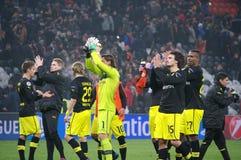 Weidenfeller och Borussia Dortmund som tackar deras, fläktar för deras service Royaltyfri Fotografi