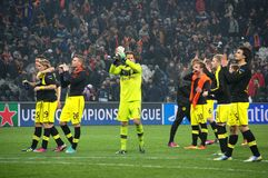 Weidenfeller och Borussia Dortmund som tackar deras, fläktar för deras service Arkivbild