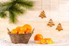 Weidenkorb mit Orangen Lizenzfreie Stockfotografie
