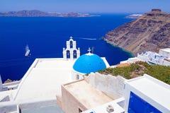 Weiße Architektur von Fira-Stadt auf Santorini-Insel Stockbild