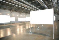 Weiße Felder in der Halle Stockfotografie