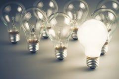 Weiße Glühlampe Lizenzfreie Stockbilder