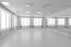 Weiße leere Trainingstanzhalle mit flachen Wänden, weißer Boden und Stockfoto