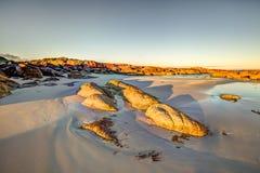 Weißer Strand in der Bucht von Feuern Stockfotos