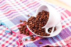 Weißes Bechertee-Kaffeeplaid Stockfoto