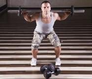 Weightlifting adeguato Fotografia Stock Libera da Diritti