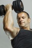 Weightlifting do instrutor da aptidão Fotos de Stock