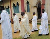WEIHE EINES PRIESTERS Lizenzfreie Stockbilder