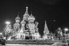 Weihnachten auf dem Roten Platz (hintere Ansicht der Kathedrale St.-Basilikums) stockfotos
