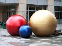 Weihnachten-Baum Dekorationkugeln lizenzfreie stockfotografie