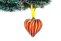 Weihnachten-Baumdekorationen - rotes Herz Getrennt auf weißem Hintergrund Stockfotografie