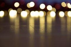 Weihnachten beleuchtet gelbes und rotes bokeh stockfoto