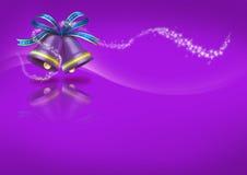 Weihnachten Bell auf purpurrotem Hintergrund Stockfotos
