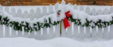 Weihnachten, das Schnee einfängt Lizenzfreie Stockfotografie