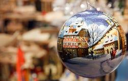 Weihnachten in Deutschland in einer Kugel Stockfoto
