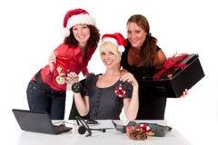 Weihnachten im Büro. Stockbild