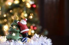 Weihnachten - keramische Santa Claus Stockfotografie