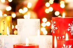 Weihnachten leuchtet Nahaufnahme durch Stockbild