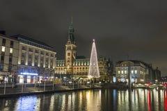 Weihnachten nahe cityhall in Hamburg, Deutschland stockfotos