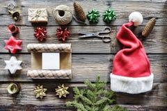 Weihnachten, neues Jahr, Satzgeschenke, handgemacht, Feier, Winterurlaube, Bestellungsgeschenke online Dekoration, Draufsicht stockbilder