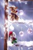 Weihnachten Rudolf und Bär lizenzfreie stockfotografie