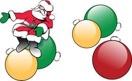 Weihnachten Santa Claus mit Baumverzierungen Lizenzfreie Stockfotos
