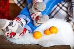 Weihnachten trifft Mandarinen hart Stockfotografie