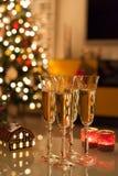 Weihnachten u. Champagne Stockfoto