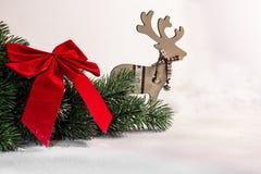 Weihnachten und Baumast und Ren des neuen Jahres Lizenzfreie Stockfotografie