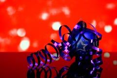 Weihnachten und neue Jahr ` s blaue Baumballdekorationen Stockbild