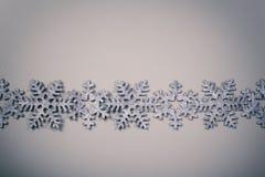 Weihnachten und neue Jahre Schneeflockenhintergrund Lizenzfreie Stockfotos