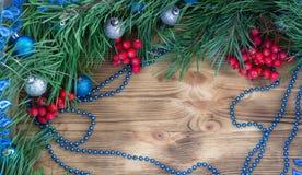 Weihnachten und neues Jahr verzieren Dekorhintergrund mit Kopienraum Lizenzfreie Stockfotografie