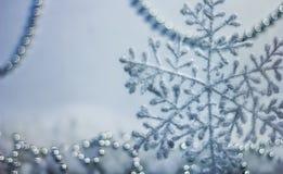 Weihnachten und Schneeflocke des neuen Jahres Lizenzfreie Stockbilder