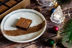 Weihnachten und Winterurlaube Schokolade eingestellt mit Weihnachtsdekor stockfotos