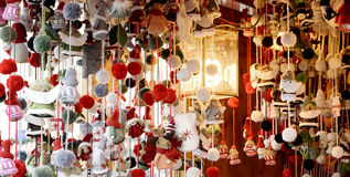 Weihnachten vermarktet Bild, Weihnachtsmärkte Bild, Weihnachtsmarktbetrachten Lizenzfreie Stockbilder