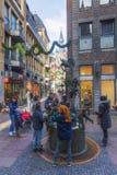 Weihnachten verzierte Einkaufsstraße in Aachen, Deutschland Lizenzfreie Stockfotos